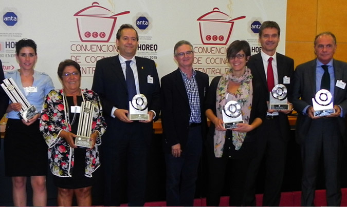 Algunos de los premiados con los galardones <i>Innovanta</i> y <i>Excel 45</i> de la edición pasada. ©Rest_colectiva.
