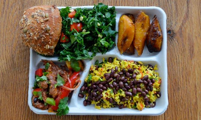 Menú escolar en Brasil. ©Sweetgreen.