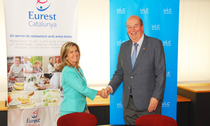 <b>Eva Ódena</b>, presidenta de Eurest Catalunya y el <b>Xavier Gil</b>, rector de la UIC. ©Eurest_Catalunya.