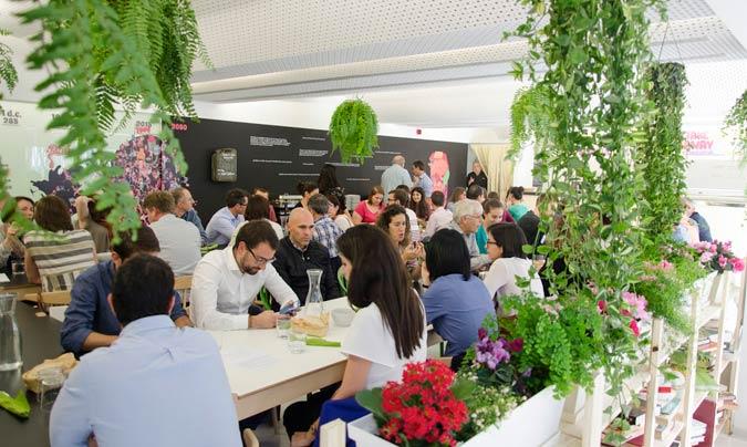 'Foodtopía 1.800w' da de comer diariamente a una media de 200 personas en un comedor con capacidad para 70 pax. ©Foodtopía_1800w.