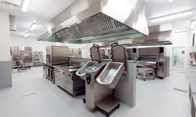 Las cocinas centrales de Serunión, Aramark y 'Miplato' ganan los Excel45