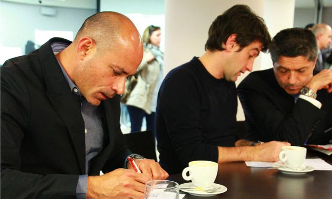 <b>Julio César Aguilera</b> (My Buffer Guest) y <b>Josean Alija</b> (chef del rte. Nerua del Museo Guggenheim de Bilbao) han sido los encargados de decidir el ganador entre los cuatro mejores. ©Rest_colectiva