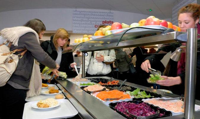 Un 29% de las empresas no ofrecen ningún servicio de comedor ni ticket restaurante