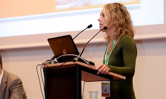 Inés Navarro es la responsable del departamento de Nutrición y Dietética de Arcasa, formó parte del Comité Asesor del CRC'16 y participó de ponente en el congreso.