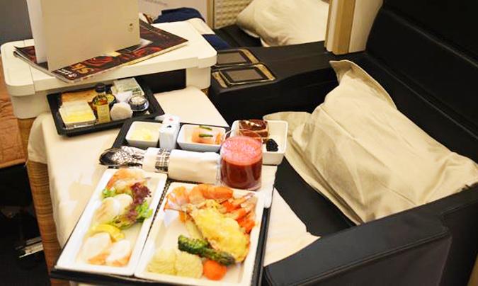 Uno de los menús que ofrece la aerolínea. ©Saudia Catering