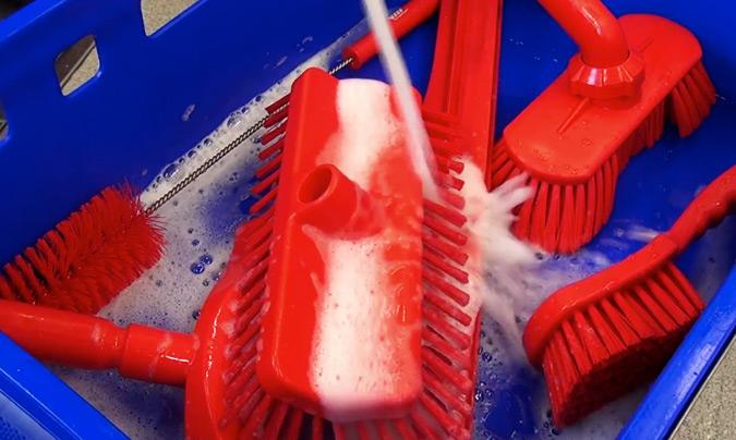Necesidad de un buen diseño higiénico, también en los elementos utilizados para limpiar