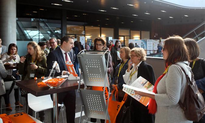 El evento contó con un amplio espacio donde las empresas patrocinadoras pudieron mostrar sus novedades a todos los congresistas. ©Eduardo_Alapont.