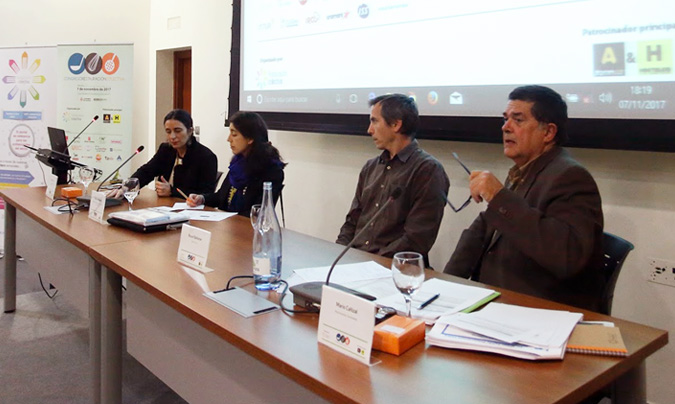 De izquierda a derecha: Isabel Castillo, Paola Hernández, Ricard Ballester y Mario Cañizal, moderador de la mesa. ©Eduardo_Alapont.