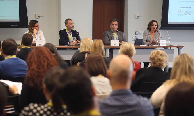 De izquierda a derecha: Zarza Burgués, Luis Mata, Eduardo Gómez y Mª José Torrejón, moderadora de la mesa. ©Eduardo_Alapont.