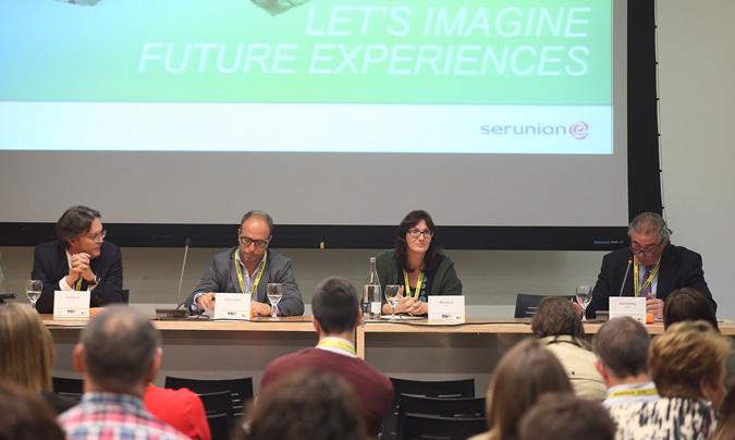 De izquierda a derecha: Felip Pascual, Alfonso García, Rosa García y Javier Arenillas, moderador de la mesa. ©Eduardo_Alapont.