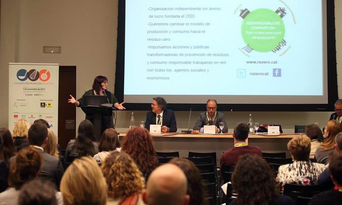 Un momento de la intervención de Rosa García, hablando del 'reverse vending' como tendencia. ©Eduardo_Alapont.