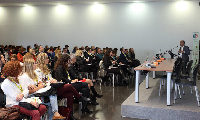 El programa se configuró alrededor de siete mesas redondas y dos cápsulas con presentaciones independientes. ©Eduardo_Alapont.