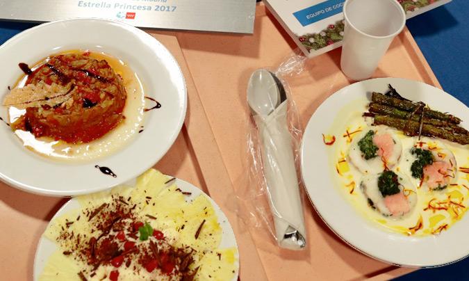 El menú ganador del concurso: 'Escalibada de la huerta de Aranjuez con crujiente de queso', 'Rape relleno con salsa de cava al aroma de azafrán' y 'Carpaccio de piña con crema, granada y virutas de chocolate' de postre. ©Hosp_Princesa.
