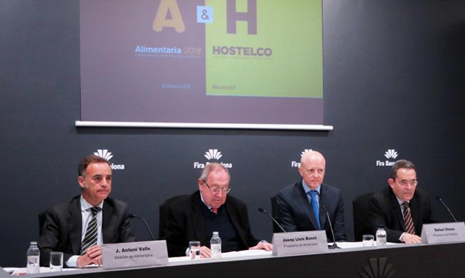 De izquierda a derecha: J. Antoni Valls (director de Alimentaria), Josep Lluis Bonet (presidente de Alimentaria), Rafael Olmos (presidente de Hostelco) y Gonzalo Sanz (director de Hostelco). ©Rest_colectiva.
