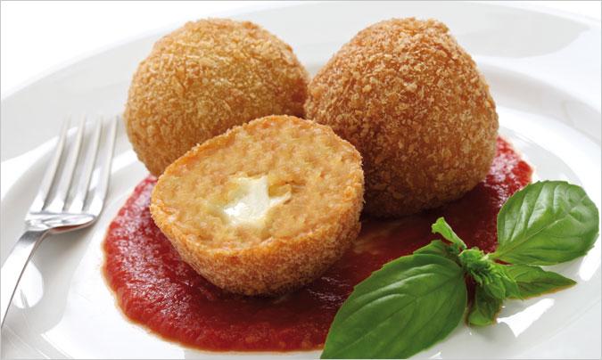 Croquetas de queso con tomate, cremosas y muy atractivas para el comedor escolar