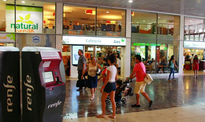 Interior de la estación de Sants (Barcelona). © Rest_colectiva