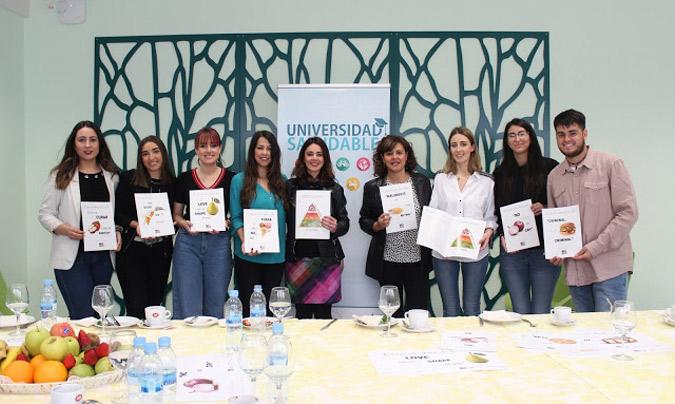 Las alumnas, profesoras y técnicas de salud que han hecho realidad este proyecto.