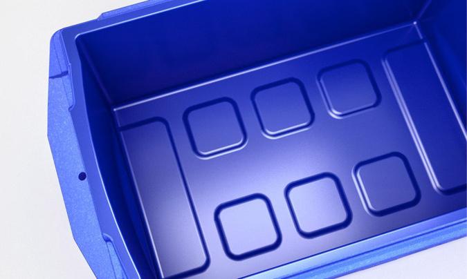 Los contenedores cristalizados de EPP cuentan con una superficie lisa, impermeable a líquidos, vapores y olores. También se lavan e higienizan mejor.