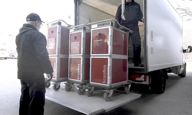 Carros de distribución de menús.