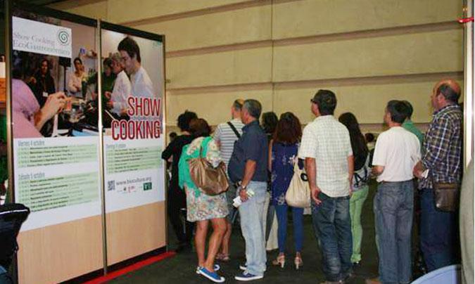 Como en todos los salones de BioCultura, los <i>showcooking</i> crearon gran expectación entre los visitantes.