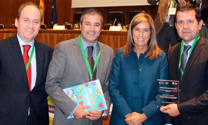 Los representantes de Proexport, fotografiados junto a la ministra <b>Ana Mato</b>.