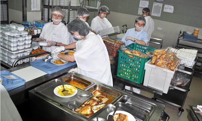 Del HUA Txagorritxu salen diariamente 450 menús (entre las comidas del personal y las de los pacientes). © HUA