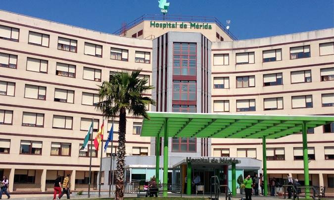En el Hospital de Mérida se sirven 1.200 comidas diarias (entre las cuatro ingestas) y se cocina todo en línea caliente tradicional. © Hospital de Mérida.