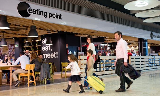 'Eating Point', un espacio multimarca que incluye enseñas como 'Yoghourteria Danone', 'Torres', 'Cutting's' o 'Uban Grill'. ©Áreas