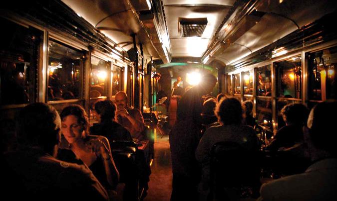El <i>Ristotram</i> de Roma, un tranvía donde disfrutar de la cocina italiana con un recorrido por la historia y la arquitectura de la ciudad.