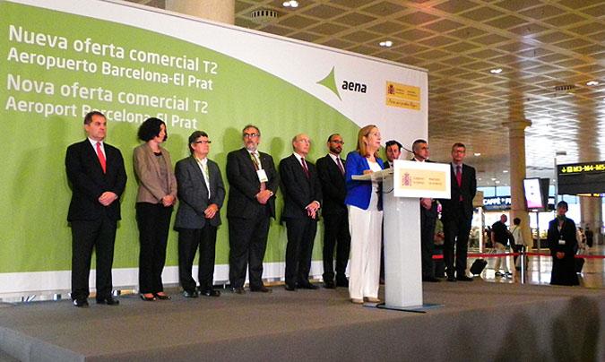 La ministra de Fomento <b>Ana Pastor</b> encabezó la presentación de la nueva oferta, haciendo hincapié en los buenos datos registrados por el aeropuerto de Barcelona – El Prat.