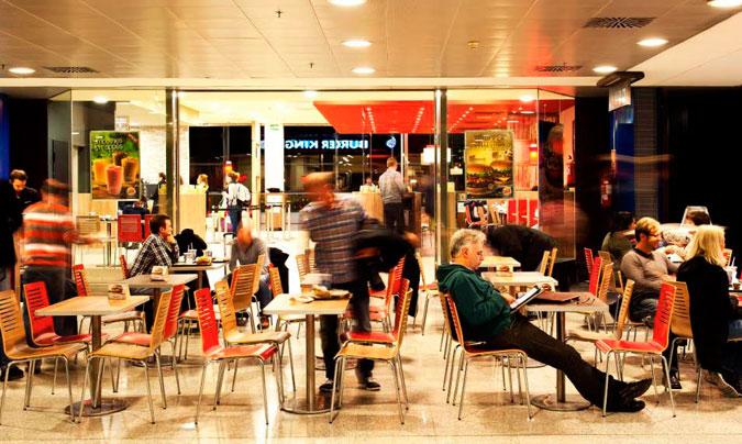 'Burger King' se estrena de la mano de Áreas en el aeropuerto de Barcelona con el local más grande de la terminal; 560 m2 y capacidad para 250 comensales.