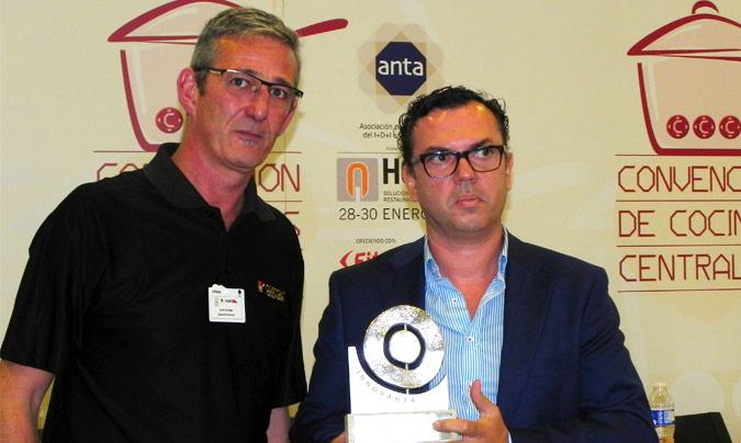 Premio Innovanta: Doña Pepa. Entregó el premio <b>Jordi Gállego</b> (Custom Culinary); recogió <b>Delfín Cabrera</b>, director de Doña Pepa.