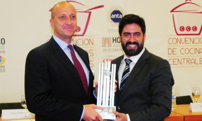 Premio Excel 45: Mediterránea. Recogió el premio <b>Ignacio Martinez</b>, director general de Operaciones; entregó, <b>Raúl Calleja</b>, director de Horeq.