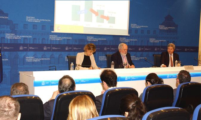 Miguel Arias Cañete anunció que el gasto de los españoles en alimentación, tanto dentro como fuera del hogar, ascendió en 2012, a 100.678 millones de euros. ©Magrama.
