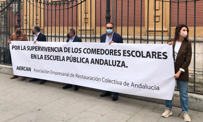 Protesta, el 25 de marzo, ante las puertas del Palacio de San Telmo.