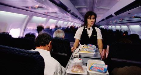El mercado del catering aéreo y ferroviario registra descensos del 3,8% y el 3,2%