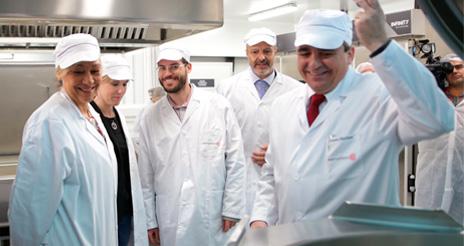 Serunión inaugura en Madrid una cocina de 1.200 m2 con inversión de casi 2 mill.