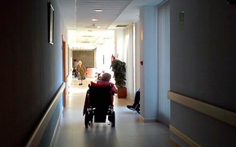 La facturación de las residencias para mayores disminuye por primera vez