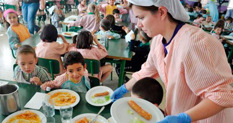 Los padres puntúan con un notable alto los comedores escolares de Castilla y León