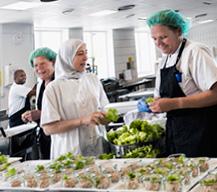 Doce cocineros de hospital y tres de residencias competirán en el concurso nacional de la AEHH