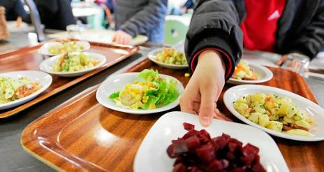 La falta de formación en algunos comedores escolares pone en riesgo a los niños alérgicos