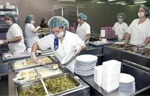 El Hospital Clínico de Valencia aprueba un plan de mejora de la cocina hospitalaria