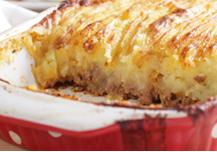Receta de pastel de carne con crema de queso, un completo plato para personas mayores
