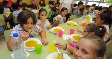 El servicio de los colegios de Cangas, desierto porque las empresas ven inviables los pliegos