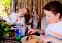 En los campamentos infantiles, relajémonos con todo menos con la seguridad alimentaria