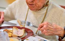 Decálogo para una alimentación y nutrición saludable en las personas mayores sanas