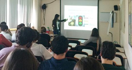 Alumnos de NHD colaboran en la formación de los manipuladores de alimentos de la CUN