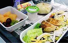 El 71% de los pasajeros estarían dispuestos a pagar 'un extra' por comer mejor a bordo