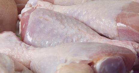 Las bacterias patógenas del pollo suponen un claro peligro potencial en la cocina