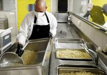 Fira de Barcelona cocina menús para hospitales y residencias de varias ciudades españolas